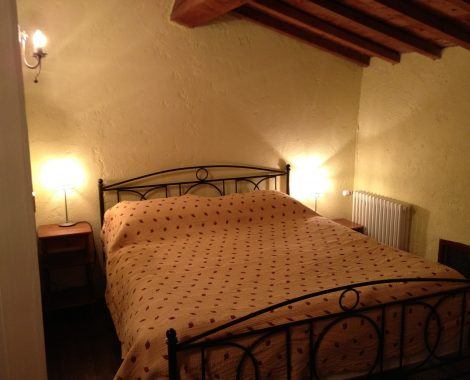 Gite Madres double bedroom